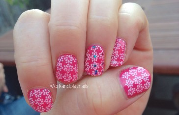Sparkly pink nail stamping